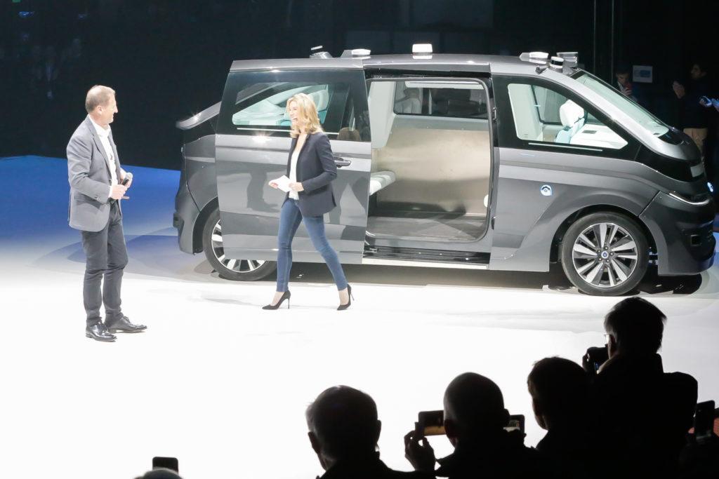 navya autonom cab reveal
