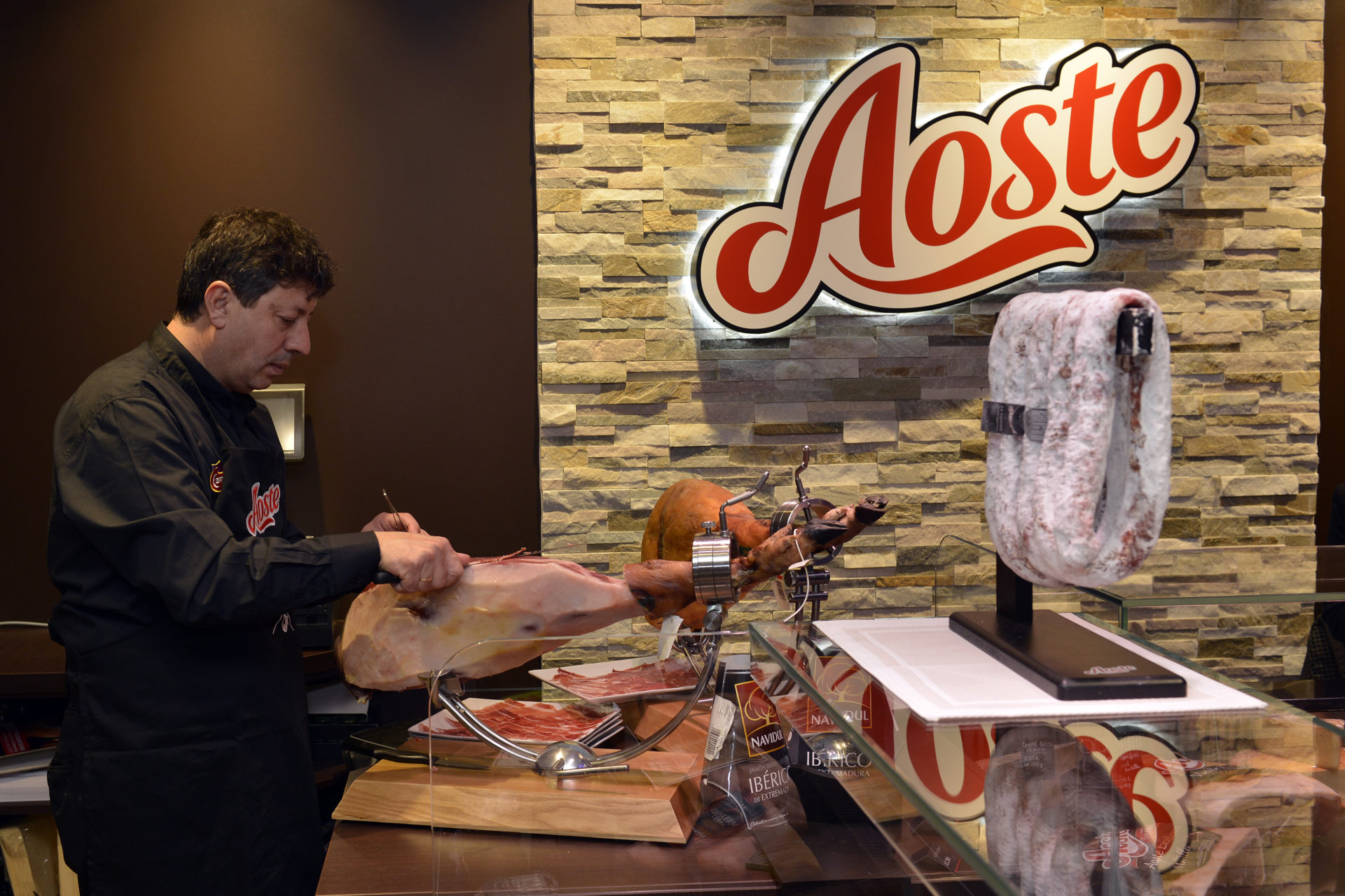 Inauguration savoureuse dans la première boutique Aoste !